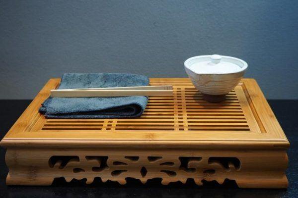 faragott bambusz teatálca