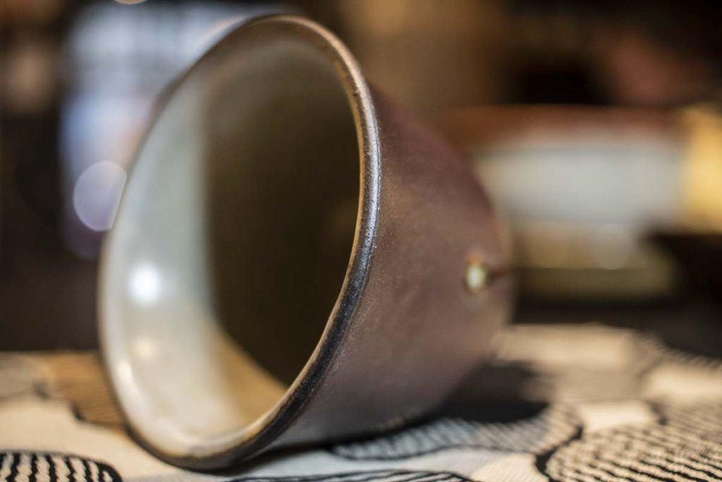 Hőforrások vasmázas csésze 1