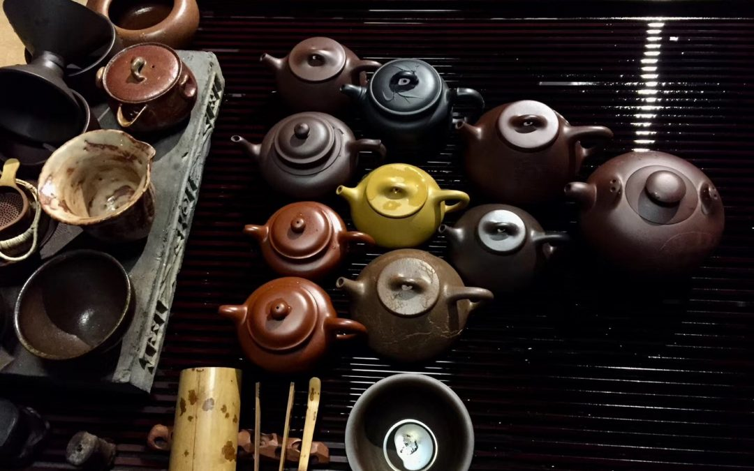 A Yixing teáskannák agyagváltozatai és minőségi jellemzői
