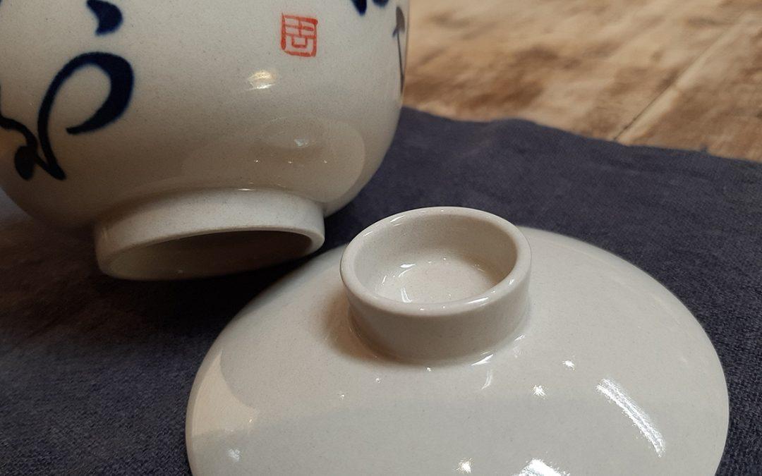 Modern, hamumázas fehér porcelánok